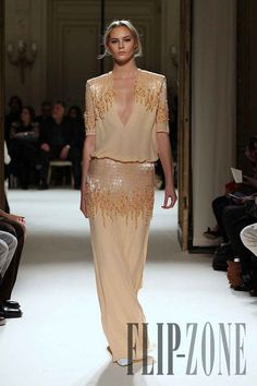 I'm obsessed with this designer, gorgeous- Georges Hobeika 2012 summer. Georges Hobeika, Fashion Models, High Fashion, Fashion Show, Fashion Designers, Style Haute Couture, Couture Fashion, Elegant Dresses, Beautiful Dresses