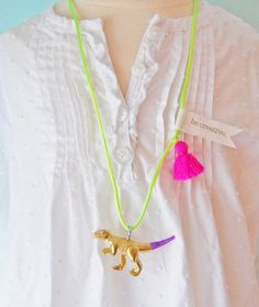 Dinosaur Necklace Tassel Jewelry Animal Necklace von thetrendytot