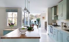 Planning a period home kitchen extension? 15 period home kitchen extensions Kitchen Units, Open Plan Kitchen, Country Kitchen, New Kitchen, Kitchen Decor, Kitchen Design, Kitchen Cabinets, Kitchen Extension Cost, Wardrobe Furniture