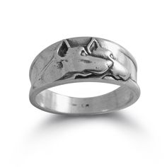 This double Doberman Pinscher Band has captured this proud breed in a classic design.