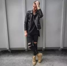 Men's Outfits 2021 | Lookastic Black Leather Biker Jacket, Leather Jacket Outfits, Leather Jackets, Fashion Moda, Daily Fashion, Mens Fashion, Ootd Fashion, Hommes Sexy, Mens Style Guide