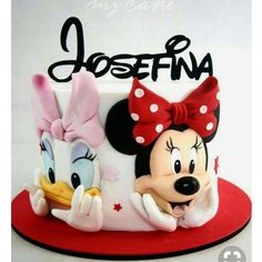 Minnie Mouse - cake by Natalia Casaballe Mickey Mouse Torte, Minni Mouse Cake, Bolo Da Minnie Mouse, Mickey And Minnie Cake, Bolo Mickey, Minnie Mouse Birthday Cakes, Mickey Cakes, Baby Birthday Cakes, Mickey Birthday