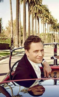 Tom!!!!!! Old Hollywood Glamor to the hilt!