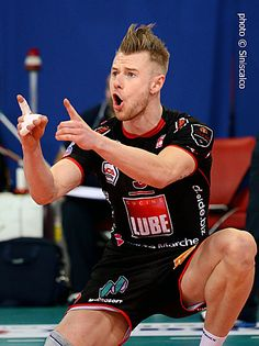 Volleyball Poses, Volleyball Players, Matt Anderson Volleyball, Volleyball Wallpaper, Corporate Photography, Beautiful Babies, Rugby, Celebrities, Pose Reference