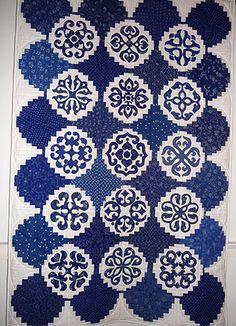 Hungarian blue quilt exhibited at the Kékfestő Múzeum (Hungary) 2009.  Photo by Jana Lálová (Czech Republic)