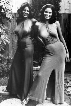 Pam Grier and Juanita Brown in Foxy Brown, 1974 Black Celebrities, Celebs, Foxy Brown Pam Grier, Pam Grier 70s, Rare Historical Photos, Mode Vintage, Vintage Photographs, Vintage Photos Women, Vintage Girls