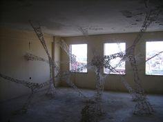 """""""Divisions Unfolded"""" è un'idea nata dalla mente di Francesco Lupo, studente d'arte italiano che vive a İstanbul."""