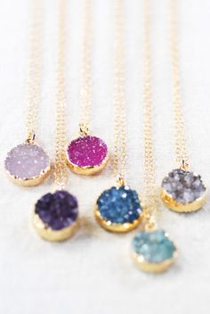 Noelani necklace -  gold druzy pendant necklace, gold necklace, gold pendant necklace, hawaii druzy necklace, round druzy necklace, maui par kealohajewelry sur Etsy https://www.etsy.com/fr/listing/164586503/noelani-necklace-gold-druzy-pendant