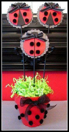 Ladybug Birthday Party Centerpiece and Decoration ideas Ladybug Crafts, Ladybug Party, Festa Party, 1st Birthday Parties, Frozen Birthday, 2nd Birthday, Party Time, First Birthdays, Ladybugs