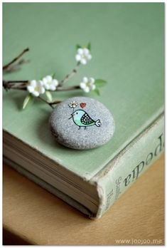 100+ DIY Ideas of Painted Rocks with Inspirational Picture and Words 28