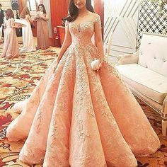 The super gorgeous LIZA SOBERANO @lizasoberano is the Belle of the Ball...Throwback to last year's Star Magic Ball... @sayed5inco @perrytabora #couture #starmagicball #Dubai #MyDubai #MadeinDubai #MichaelCinco -cto @michael5inco