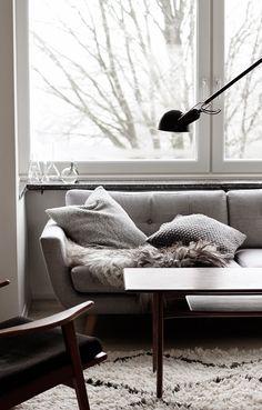 scandinavian interior, living room space, via http://www.scandinavianlovesong.com/