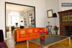VERY LARGE APARTMENT IN MONTMARTRE Paris, $230/night, 2 br (2 dbl, 2 single), 2ba, 5 star/7 reviews, 3rd floor walk up