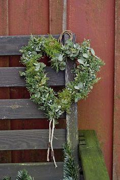 Blomsterverkstad heart wreath