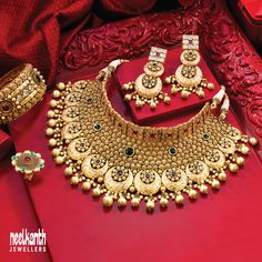 Fancy Jewellery, Gold Jewellery Design, Antique Jewellery, Bridal Jewellery, Pearl Necklace Designs, Gold Earrings Designs, Gold Necklace, Black Hills Gold Jewelry, Indian Jewelry Sets
