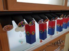 우리나라 환경구성 기와집 지붕 만들기 : 네이버 블로그 Projects For Kids, Diy For Kids, Korean Art, Classroom Decor, Special Day, Kindergarten, Arts And Crafts, Miniatures, Display