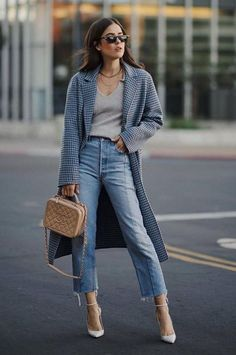 2720172a4e7 20+ Ways to Style Your Jeans This Fall