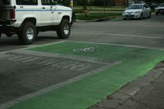 Photos of bike road treatments from the 2010 UT Bike Study: Flickr sets @UTbikestudy