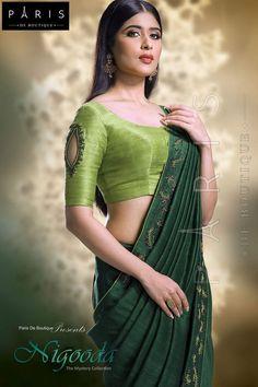 20 Stunning And Unique Saree Blouse Designs - ArtsyCraftsyDad Best Picture For fancy blouse designs Kerala Saree Blouse Designs, Designer Blouse Patterns, Fancy Blouse Designs, Bridal Blouse Designs, Sleeves Designs For Dresses, Sleeve Designs, Stylish Blouse Design, Trendy Sarees, Indian Sarees