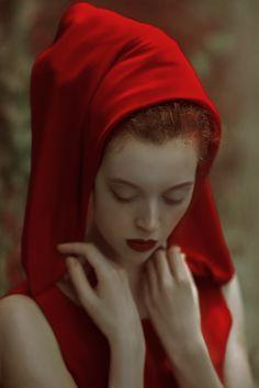 Lady in red by Agnieszka Lorek on 500px