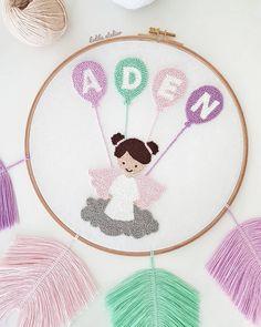 No photo description. Hand Embroidery Art, Embroidery Flowers Pattern, Flower Patterns, Embroidery Stitches, Cross Stitch Pattern Maker, Cross Stitch Patterns, Punch Needle Patterns, Punch Art, Crafty