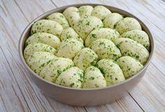 Пшеничный хлеб с зеленью и чесноком. Удивительный рецепт!