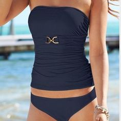 LastPriceDrop!⚜MichaelKors Navy Bandeau TankiniSet ☀️ NWT 2 piece set. (Comes with straps) Always open to offers. I ship next day for the most part. Any questions let me know. Happy Poshing! Michael Kors Swim Bikinis