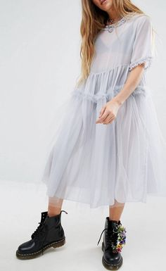 Discover the latest fashion & trends in menswear & womenswear at ASOS. Shop our collection of clothes, accessories, beauty & Quirky Fashion, High Fashion, Womens Fashion, Comfy Dresses, Look Vintage, Grad Dresses, Tulle Dress, Types Of Fashion Styles, Dress Me Up