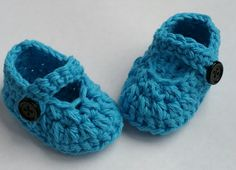 Handmade, infant, unisex, crochet, baby shoes, baby booties with buttons