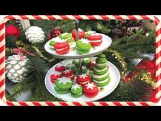 How to make the best Christmas macarons - step by step guide Christmas Drinks, Christmas Cooking, Christmas Fun, Christmas Recipes, Macarons, Panna Cotta, Cookies, Table Decorations, Baking
