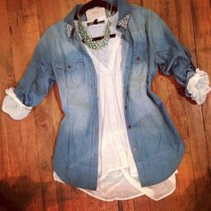 This top combination plus some black skinny jeans and riding boots = fall!