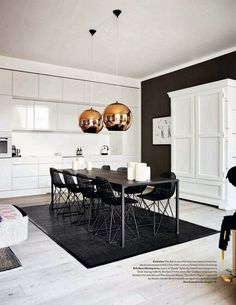 43 Luxurious Black And Gold Dining Room Ideas For Inspiration. Dining room paint colors should be appetizing. Gold Dining Room, Decor, Kitchen Design, House Design, Dining Room Inspiration, Living Room White, Interior Design, Home Decor, House Interior