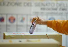 SAN NICOLA LA STRADA. Pagati gli scrutatori per le amministrative del 31 maggio e del ballottaggio del 14 giugno 2015 a cura di Nunzio De Pinto - http://www.vivicasagiove.it/notizie/san-nicola-la-strada-pagati-gli-scrutatori-per-le-amministrative-del-31-maggio-e-del-ballottaggio-del-14-giugno-2015/