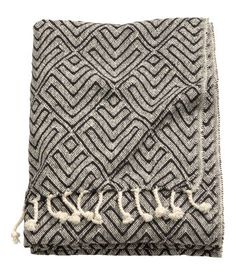 Home   Living Room   Blankets/Throws   H&M US