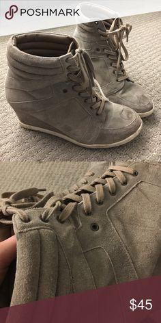 Steve Madden Sneaker Wedges Awesome sneaker wedges lightly used! ‼️price negotiable‼️ Steve Madden Shoes