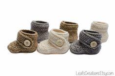 Soft baby booties crochet by LeafsCreations Pattern Baby, Baby Patterns, Crochet Patterns, Crochet Baby Blanket Beginner, Baby Knitting, Cute Crochet, Crochet For Kids, Handmade Baby, Handmade Clothes