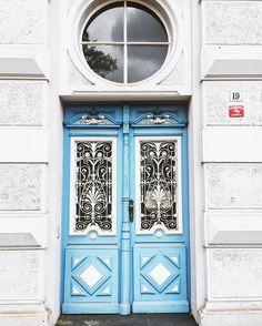 Beautiful door downtown #Hannover #germany #doorsofinstagram #doors #doorsworldwide