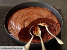 Recette Authentique et délicieuse mousse au chocolat. Ingrédients (6 personnes) : 200 g de chocolat noir, 6 œufs, Sel... - Découvrez toutes nos idées de repas et recettes sur Cuisine Actuelle