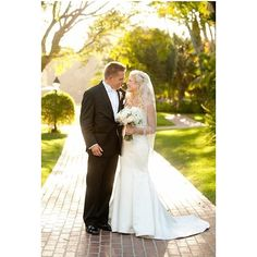 The light at the Four Seasons Biltmore in Santa Barbara is always so stunning. #santabarbara #santabarbarawedding #losangelesweddingphotographer #wedding #bride #groom #editorscircle @fssantabarbara