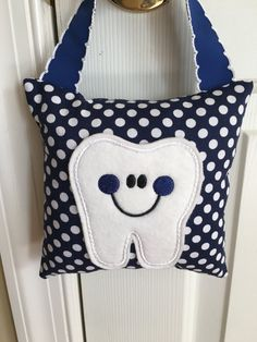 Tooth Fairy Pillow- Navy Blue with White Polka Dots and Navy Blue Ribbon - Kids Pillow - Kids Gift Tooth Pillow, Felt Pillow, Tooth Fairy Pillow, Bolster Pillow, Sewing Projects For Kids, Sewing For Kids, Baby Sewing, Sewing Ideas, Sewing Toys