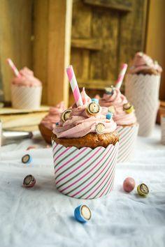 Malted Strawberry Milkshake Cupcakes | Gringalicious