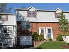 """299 MURRAYS LANE, CASTLE SHANNON, PA ~ Move in ready, well maintained townhouse ... priced right. You will be close to everything including the """"T"""" and pay less than most people pay for rent. 3 bedrooms, 1.5 bath. Great neighborhood. Nice size rooms too."""