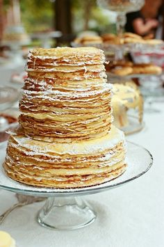 Need to show the hubby-to-be these wedding cake alternatives. I think he'll be happy.