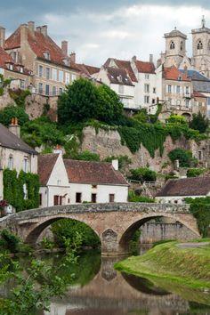 River Armançon below Semur-en-Auxois, Burgundy, France