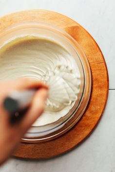 AMAZING Creamy Cashew Buttercream Frosting 2 Ways! Simple ingredients, naturally sweetened, SO versatile! Vegan Buttercream Frosting, Vanilla Frosting, Vanilla Flavoring, Vegan Cupcakes, Vegan Cake, Icing Recipe, Frosting Recipes, Muffins, Vegan Birthday Cake