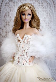 Barbie(she doesn't look like Barbie)☺