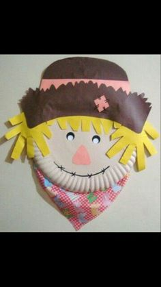Espantalho Preschool Art Projects, Craft Projects For Kids, Preschool Crafts, Fall Arts And Crafts, Diy And Crafts, Halloween Activities, Halloween Crafts, September Crafts, Paper Plate Crafts