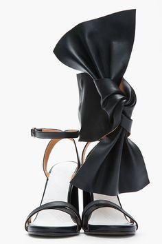 MAISON MARTIN MARGIELA Black leather asymmetric bow sandals