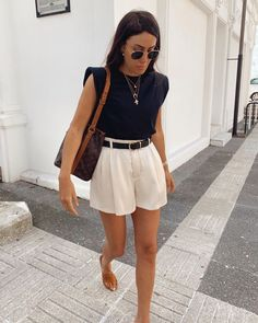 Casual Summer Outfits, Short Outfits, Classy Outfits, Stylish Outfits, Spring Outfits, Summer Shorts Outfits, Looks Chic, Casual Looks, Look Fashion
