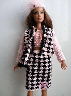 vêtement pour poupée mannequin Barbie (161)